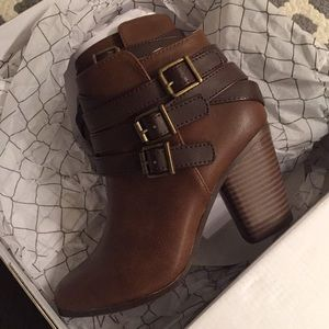 New with box Material Girl booties